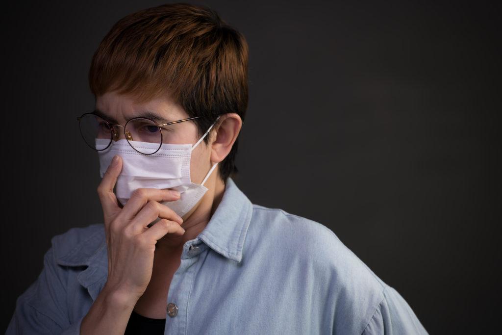 الكمامة قد تكون سبباً لإصابتك بفيروس كورونا!